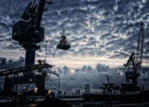 Vermeidung von Betriebsunterbrechungen und Produktionsstillstand durch ein Risiko-Check-Up der elektrischen Anlagen